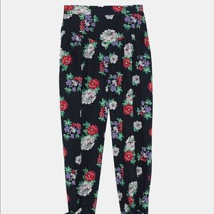 Zara Other - Zara floral printed set of ruffled blouse and pant